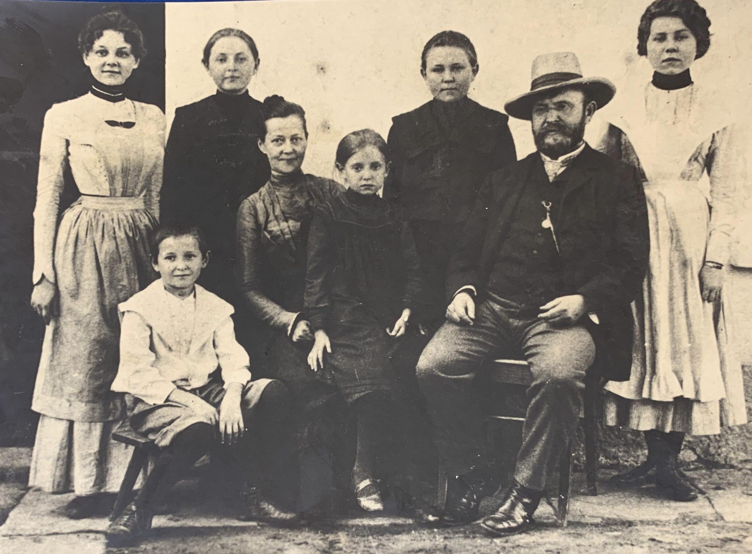 Jiráskova rodina