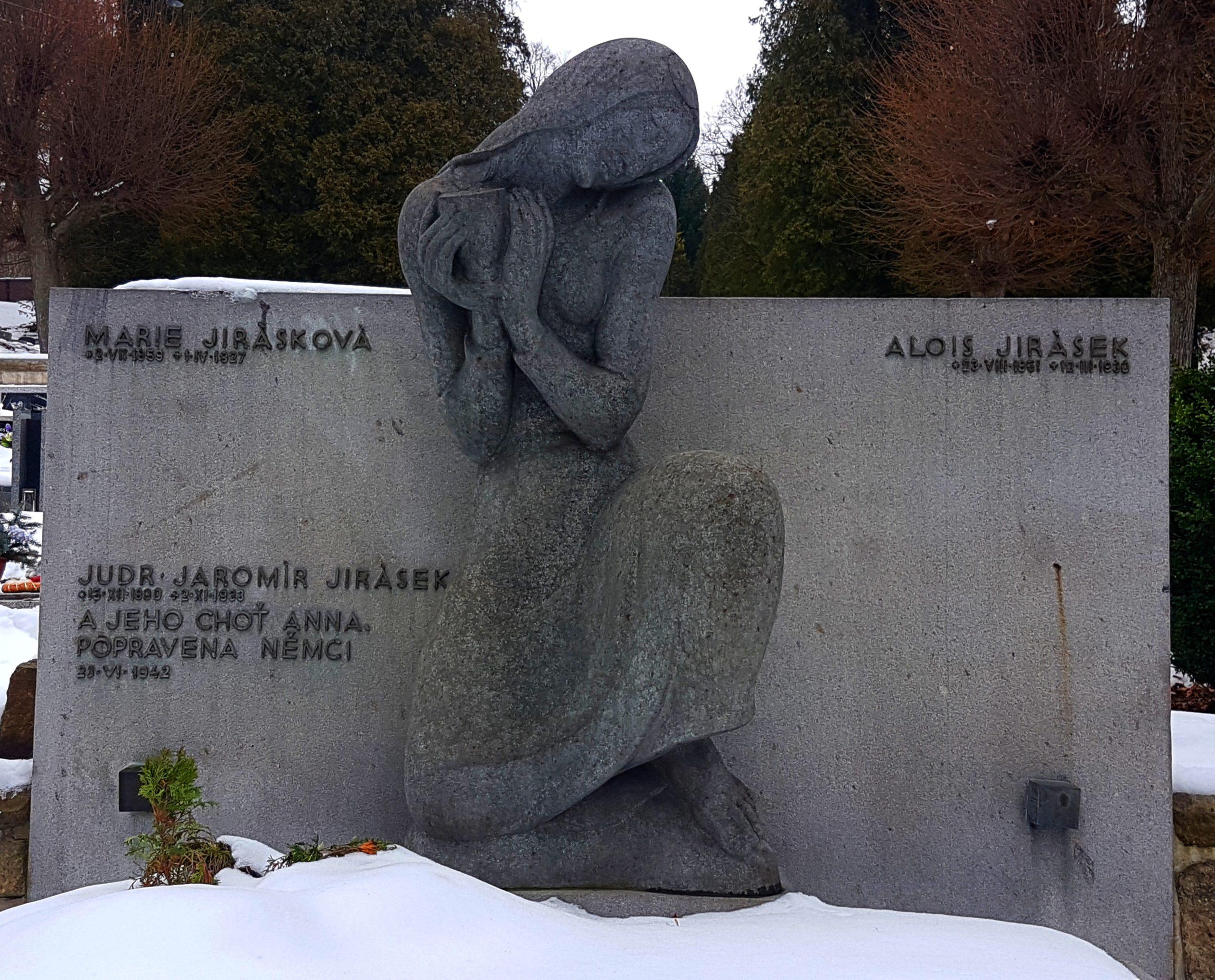 Jiráskův hrob v Hronově